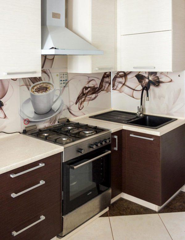 141_угловая-кухня-с-крашенными-фасадами