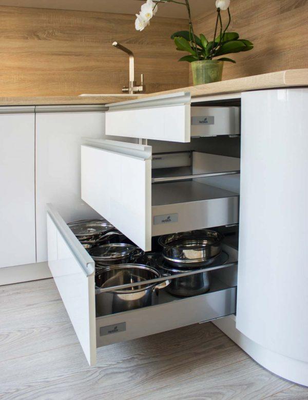20_Кухня-с-гнутым-фасадом