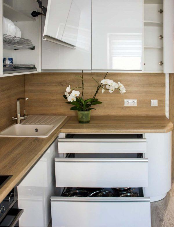 21_Кухня-с-гнутым-фасадом