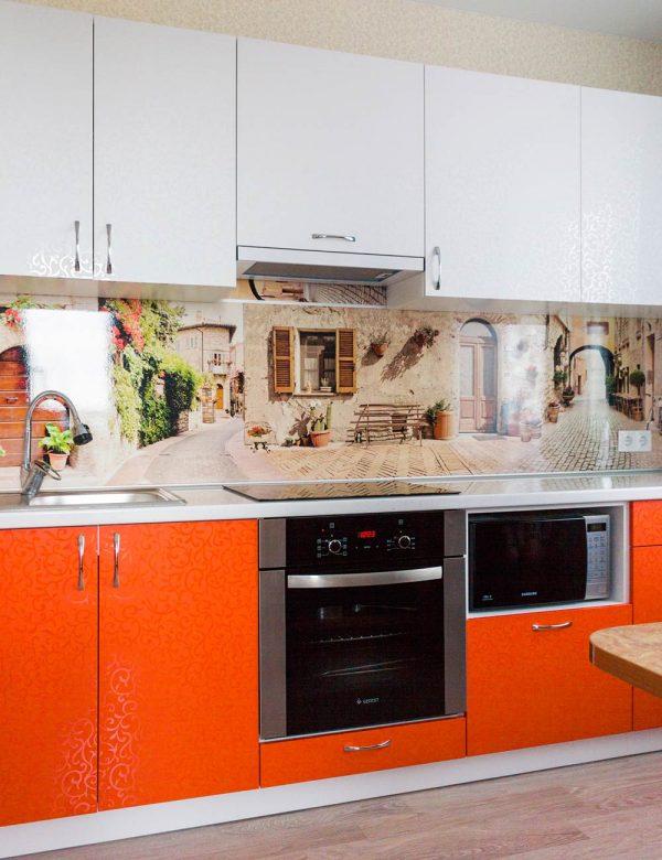 84_Кухня-с-яркими-пластиковыми-фасадами